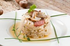 Wyśmienicie ryż z pieczarkami i rozmarynami, risotto obraz royalty free