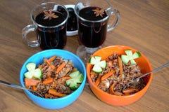 Wyśmienicie serdecznie lunch Plov i herbata z badian fotografia royalty free