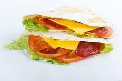 Wyśmienicie shawarma na białym tle zdjęcia stock