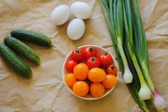 Wyśmienicie smakowici sezonowi jajka i warzywa obrazy royalty free