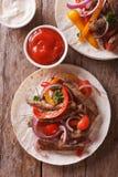 Wyśmienicie tortillas z mięsa i warzyw pionowo odgórnym widokiem Obraz Stock
