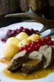 Wyśmienicie wołowina stek na drewnianym stole, zakończenie Zdjęcie Stock