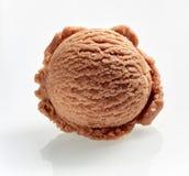 Wyśmienitego karmelu sosowany śmietankowy Włoski lody fotografia stock