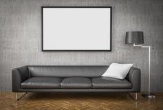 Wyśmiewa w górę plakata, duża kanapa, betonowej ściany tło Zdjęcie Royalty Free