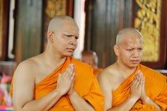 Wyświęcenie ceremonia który zmienia Tajlandzkich młodych człowieków być nowy obraz stock