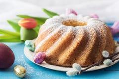 Wyśmienicie funta tort dla wielkanocy Fotografia Stock