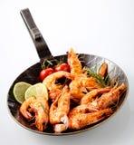 Wyśmienicie piec na grillu królowych krewetki z rozmarynami Fotografia Stock