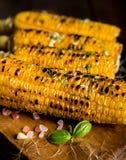 Wyśmienicie piec na grillu kukurudza Zdjęcia Royalty Free