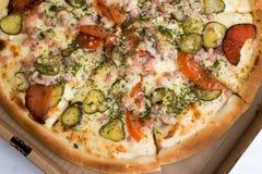 Wyśmienicie pizza na talerzu Zdjęcia Stock