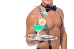Wyśmienicie tropikalny koktajl na tacy kelner Fotografia Stock