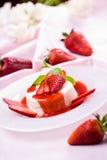 Wyśmienicie truskawkowy deser Obrazy Royalty Free