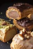 Wyśmienity kremowego deseru eclair Obrazy Stock