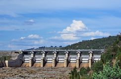 Wyangala水坝辐形溢洪道门 免版税库存照片