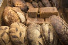 Wybór świeżo piec chlebowy bochenek Fotografia Stock