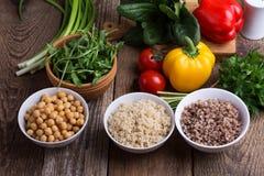 Wybór świezi warzywa, zboże, adra i legume gotujący, zdjęcie royalty free