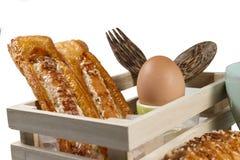 Wybór chlebowi bochenki na drewnianej desce Obrazy Stock