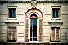 wybielacz obwodnicy starych okno zdjęcie royalty free