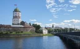 Wyborg, Russland am 3. September 2016: Wyborg-Schloss vom Damm, Turm von St. Olav Lizenzfreie Stockbilder