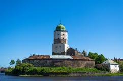 Wyborg-Stadtfestung adelt Himmel Lizenzfreie Stockfotografie