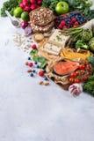 Wyboru asortyment zdrowy zrównoważony jedzenie dla serca, dieta zdjęcie royalty free