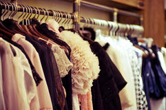 Wybór mod ubrania różni kolory Zdjęcie Stock