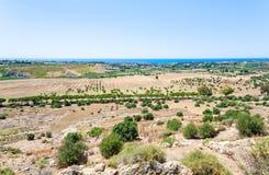 Wybrzeże morze śródziemnomorskie blisko Agrigento miasteczka Obrazy Stock