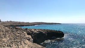 Wybrzeże morze śródziemnomorskie w Cypr zdjęcie wideo