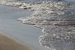Wybrzeże morze bałtyckie dosięga fala Fotografia Royalty Free