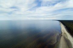 Wybrzeże morze bałtyckie, zatoka Ryski Zdjęcie Royalty Free