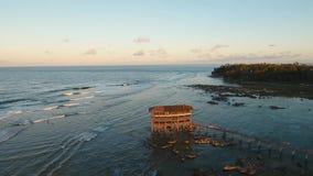 Wybrzeże morze z kipielą zdjęcie wideo