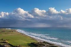 Wybrzeże Cypr blisko antycznego miasta Curio, Limassoluins Zdjęcia Stock