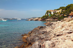 Wybrzeże w podpalanym Cala Xinxell Mallorca, Hiszpania Fotografia Stock