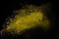 Wybuch odizolowywający na białym tle barwiony proszek Władza lub chmury splatted Freez ruch żółty pyłu wybuchać obrazy royalty free
