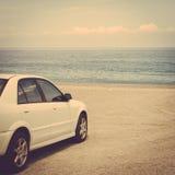 Wycieczka samochodowa oceanu piaska samochodowa denna plaża Obraz Royalty Free