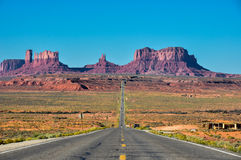 Wycieczka samochodowa Pomnikowa dolina, Arizona, usa Zdjęcia Royalty Free