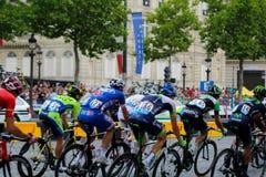 Wycieczka turysyczna de France, rywalizacja w Paryż Peloton Obraz Royalty Free