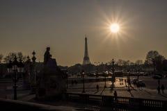 Wycieczka turysyczna Eiffel przy zmierzchem Zdjęcia Stock