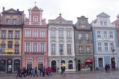 wycieczka wielu ludzi POZNAŃSKI, POLSKA, Styczeń - 28, 2018 główny plac obrazy royalty free