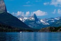 Wycieczki turysycznej łódź na St Mary jeziorze zdjęcia royalty free
