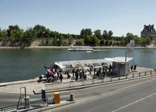 Wycieczki turysycznej łódź, wonton rzeka, Paryż, Francja Obraz Royalty Free