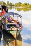 Wycieczki turysycznej łodzi rodzina zdjęcia royalty free