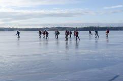 Wycieczki turysycznej łyżwiarki grupa przy wysoką prędkością Obrazy Royalty Free