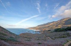 Wycieczkować ślad blisko Carmel i Monterey na środkowym wybrzeżu Kalifornia usa obraz stock