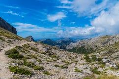 Wycieczkować ścieżkę w Tramuntana na GR 221, Mallorca, Hiszpania Fotografia Royalty Free