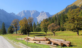 Wycieczkować śladu karwendel dolinę, Austria Obrazy Stock