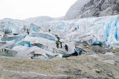 Wycieczkować na Nigardsbreen lodowu - Norwegia zdjęcie stock