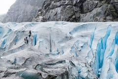 Wycieczkować na Nigardsbreen lodowu - Norwegia zdjęcia royalty free