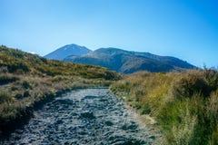 Wycieczkować tongariro wysokogórskiego skrzyżowanie, wulkanu mt ngauruhoe, nowy zealan Zdjęcia Stock