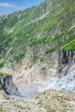 Wycieczkować Argentiere lodowiec z widokiem na masywu des Aig Obraz Stock
