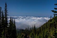 Wycieczkować Nad chmury Fotografia Royalty Free